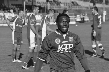 Topafric - 24yr Old Nigerian Footballer Dies on Pitch in Poland